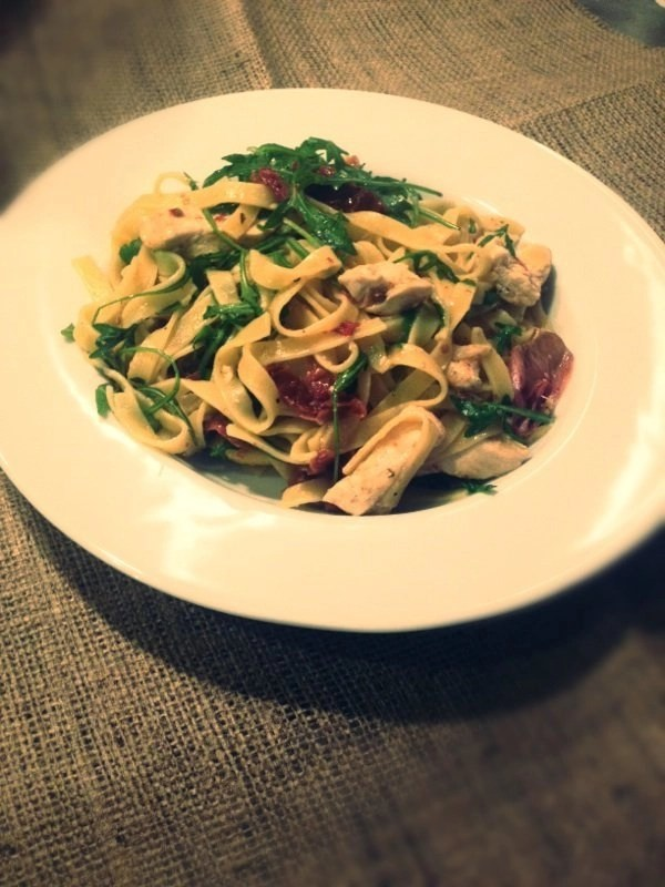 tagliatelle, lemon chicken, rocket, quick pasta recipe