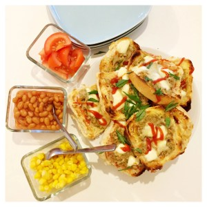 quick muffin pizza recipe, meal ideas for kids, recipes for kids to cook, easy family food, daisies and pie