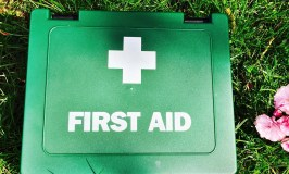 summer medicine cabinet essentials, summer first aid kit, car first aid kit contents, family first aid kit contents, homekeeping from daisies and pie