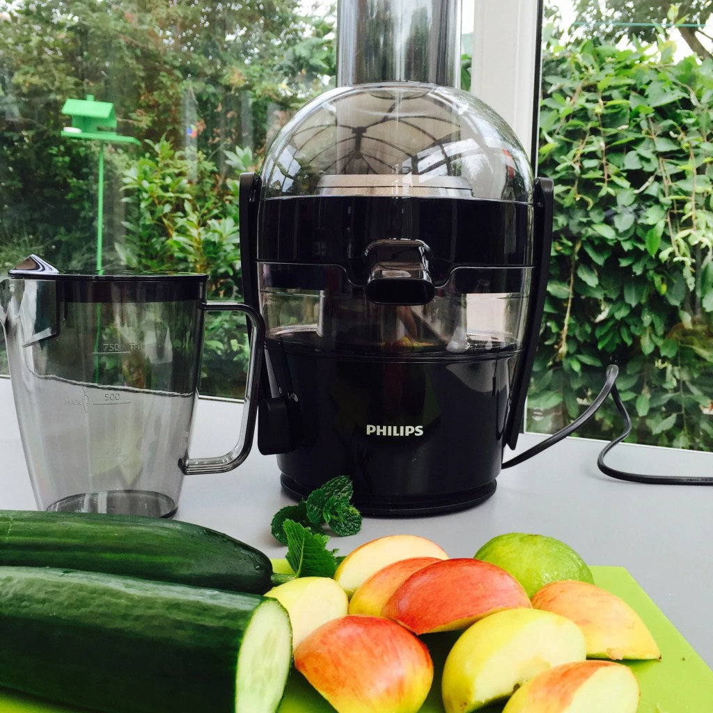 Philips Viva Juicer Review, how to use a juicer, juicing review, how to set up the juicer, how to wash the juicer, homekeeping from daisies and pie