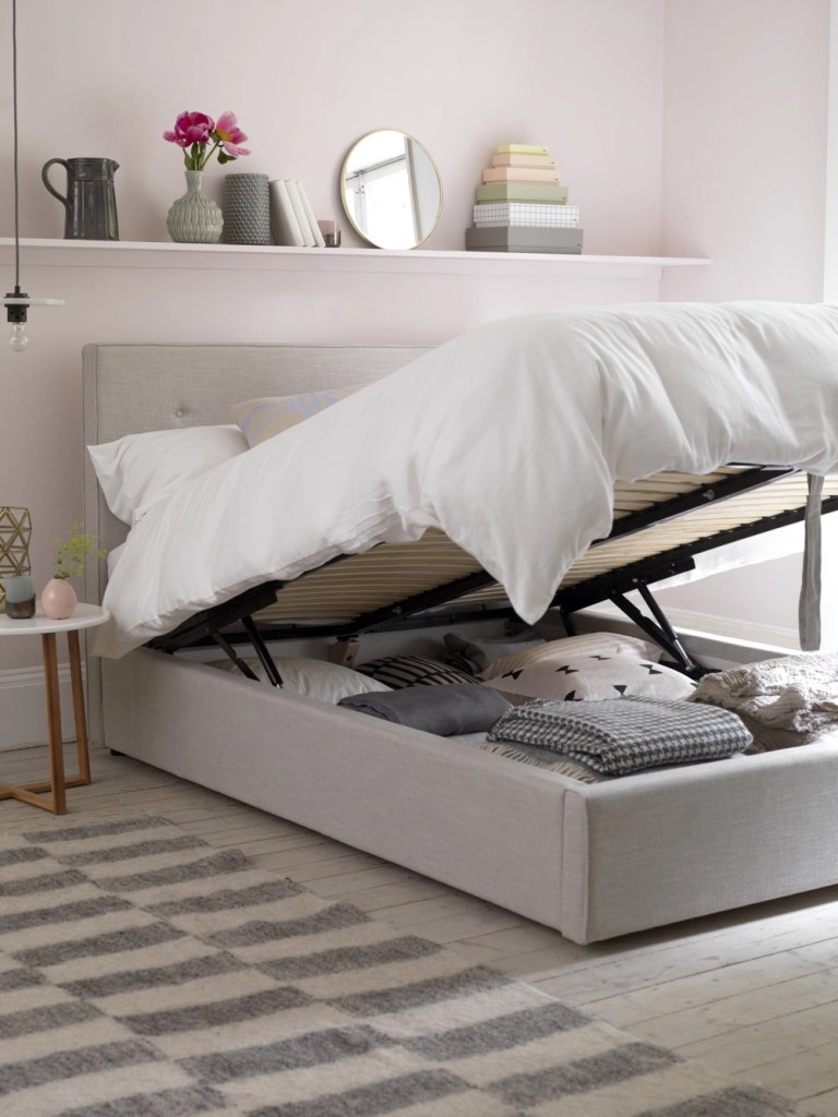 button and sprung poppy storage bed, bed with storage, designing a relaxing bedroom, homestyle from daisies and pie