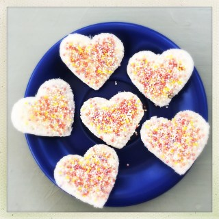 fairy bread love hearts, valentine day food for kids, how to make fairy bread, easy family food from daisies and pie
