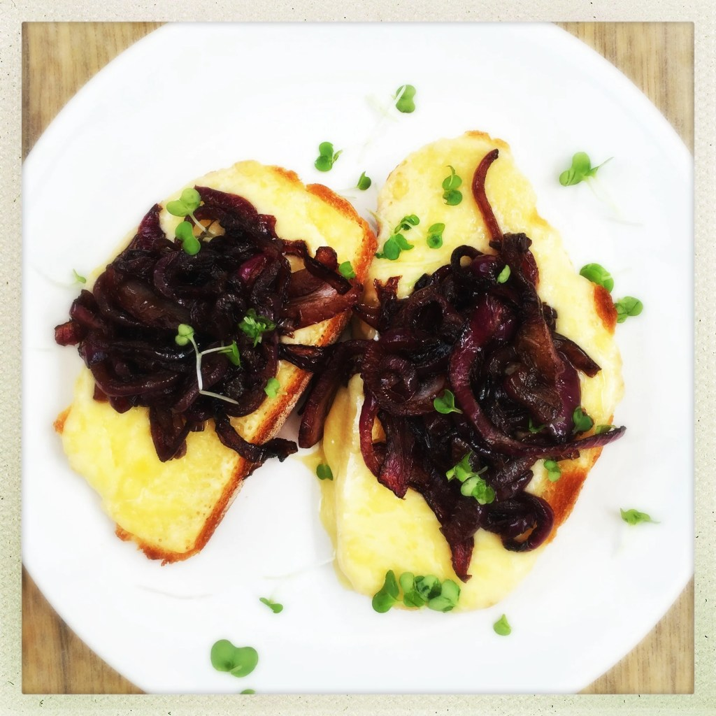 Cheese on toast with Balsamic onions