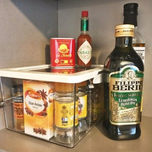 low cost kitchen cupboard storage ideas, how to organise kitchen cupboards, homekeeping ideas for the kitchen, kitchen organisation