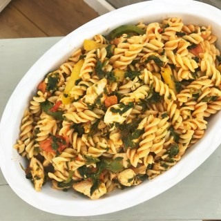 Healthy chicken and spinach pasta, healthy family dinner recipes, quick chicken recipes