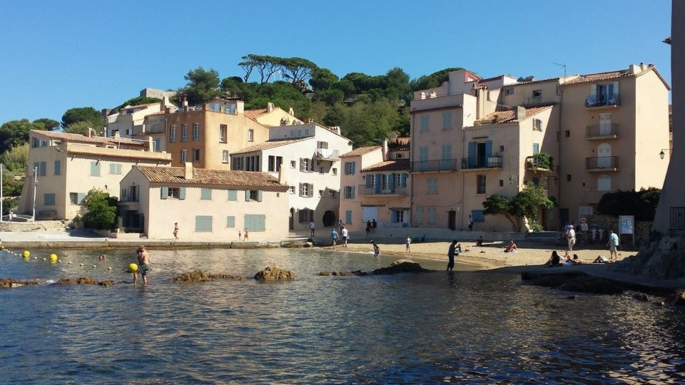 beautiful coastal towns provence