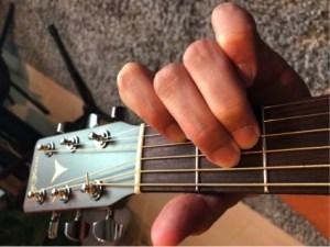 ギターコード「Am」の押さえ方
