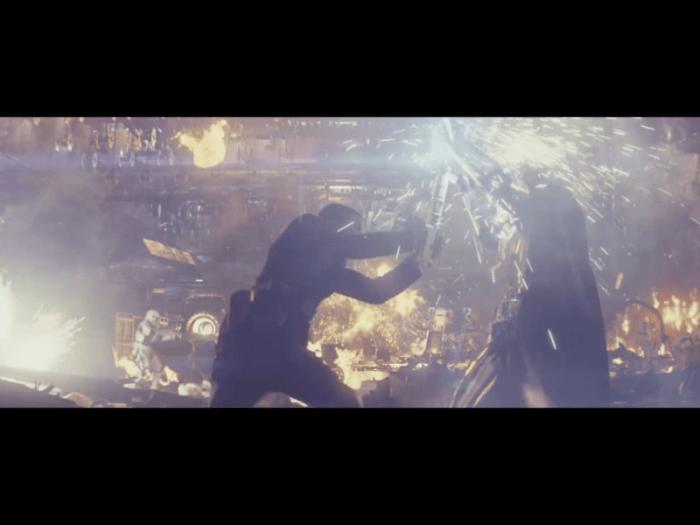 「スターウォーズ最後のジェダイ」キャプテン・フォズマと戦うフィン