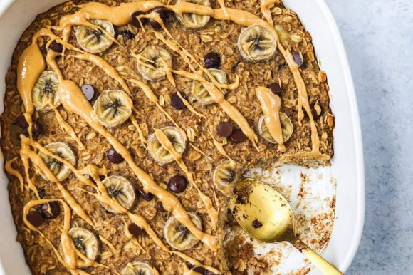 Banana Baked Oatmeal with Peanut Butter and Chocolate Chips (Vegan, Gluten Free)