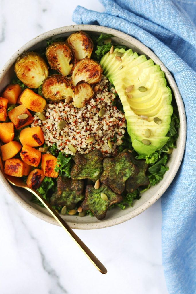 Roasted fall vegetable kale and quinoa salad - Daisybeet