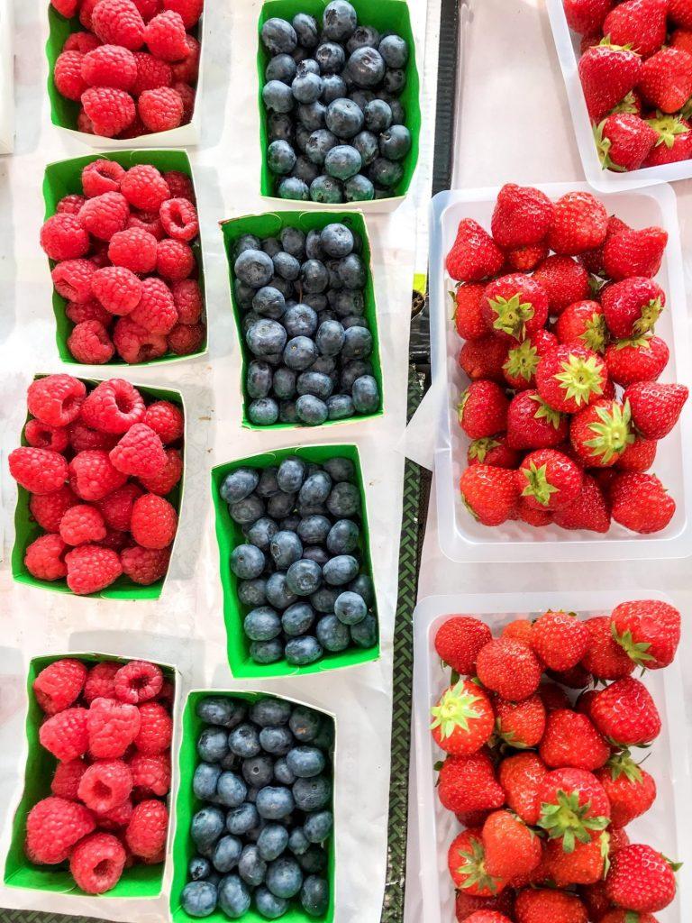 Berries - best foods for brain health - Daisybeet