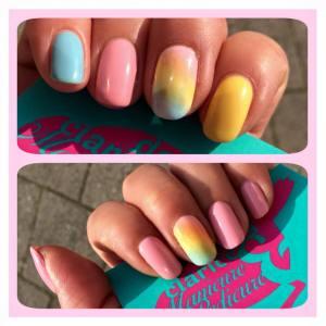 pastel_nails
