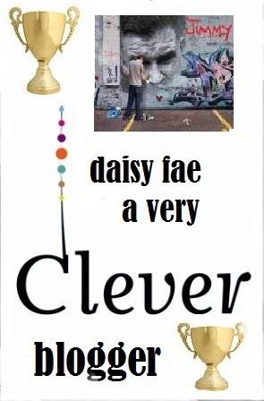 daisy fae blogger award