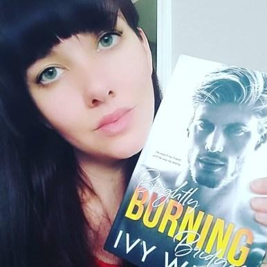Author Ivy Wild promo pic