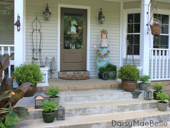 potted boxwoods front porch