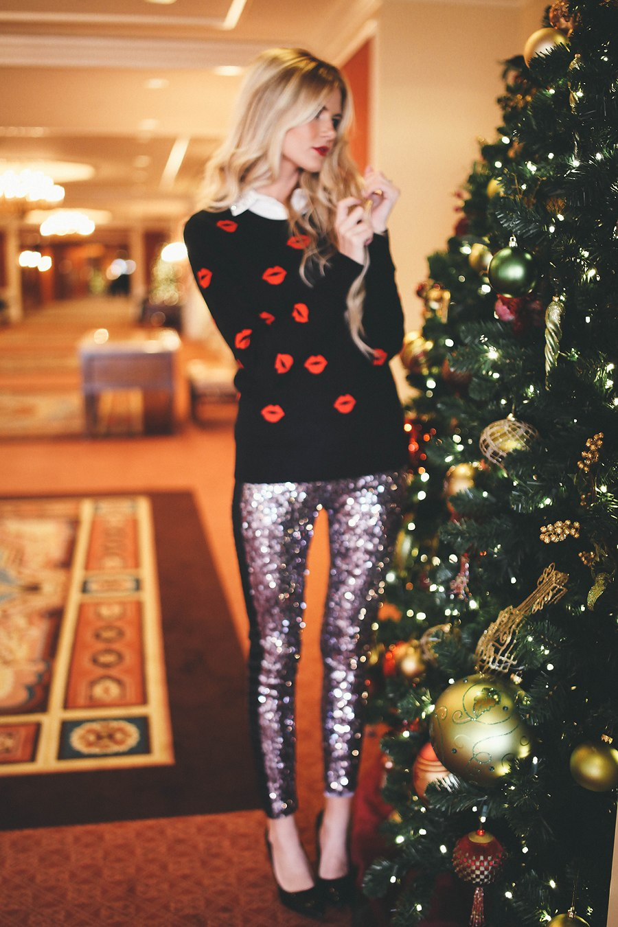 Holiday Sequin Leggings Outfit