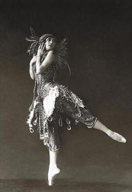 Ballet dancer Tamara Karsavina - 1912 - L'Oiseau de feu (The Firebird)
