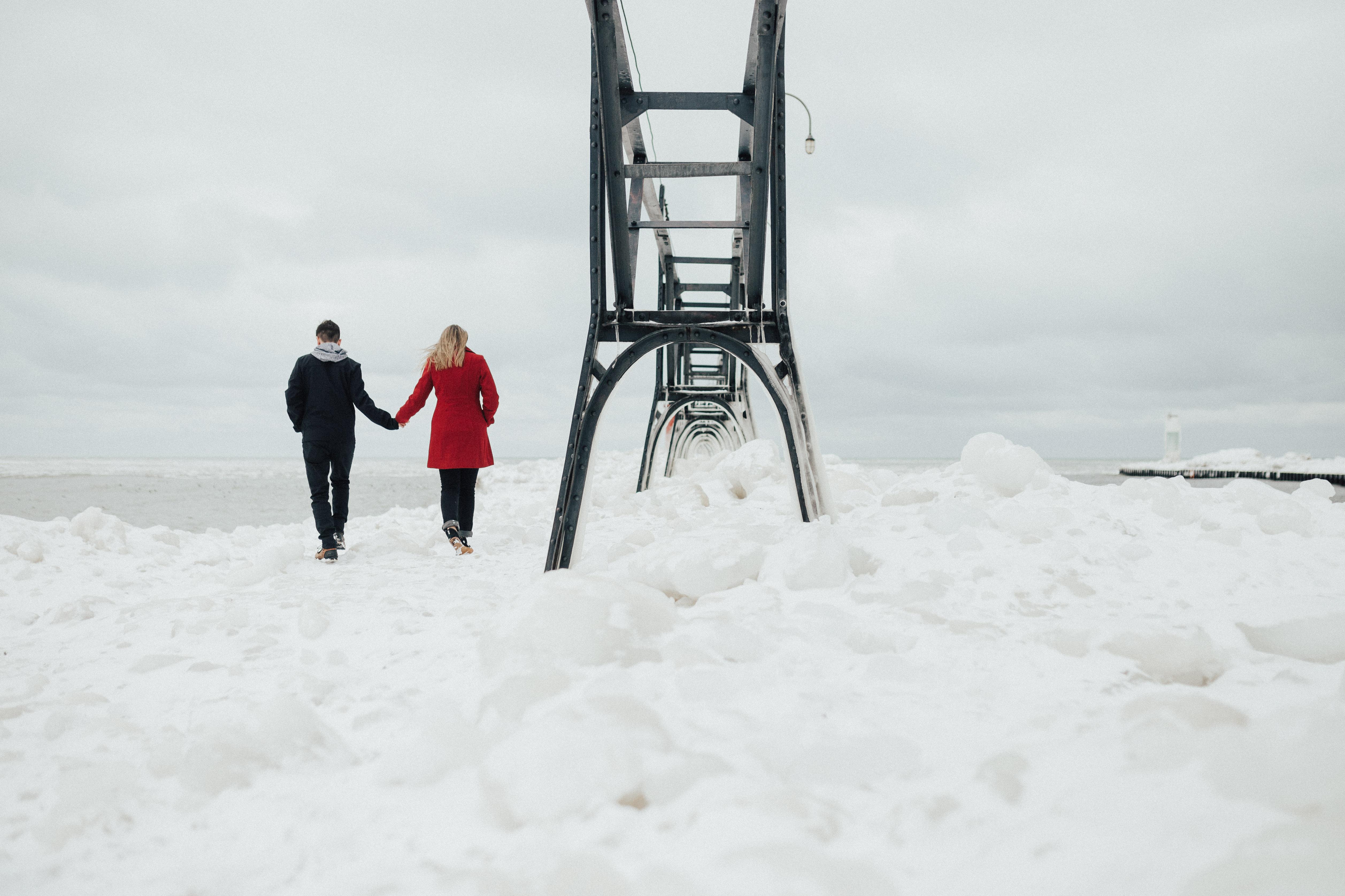 Matt & Kaitlyn // South Haven Lighthouse