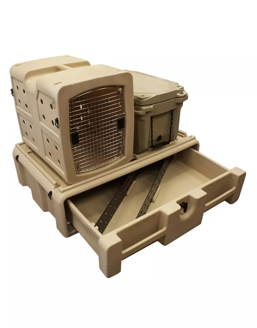 UTV 283 Lifestyle Vault with kennel on top