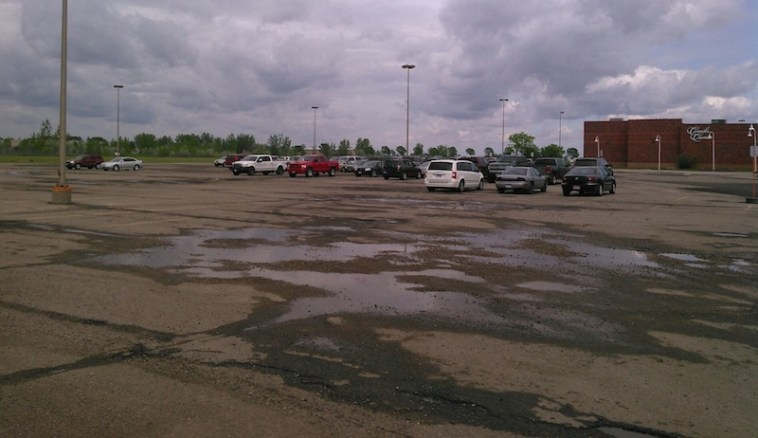 North parking lot, Aberdeen Mall, 2015.05.25