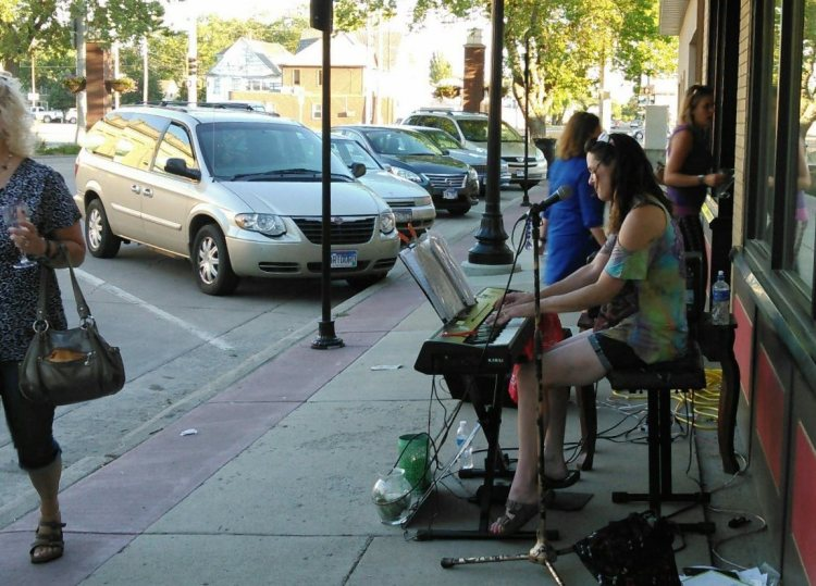 Traci Linn Samelson on keyboard, on Main, another summer night in Aberdeen.