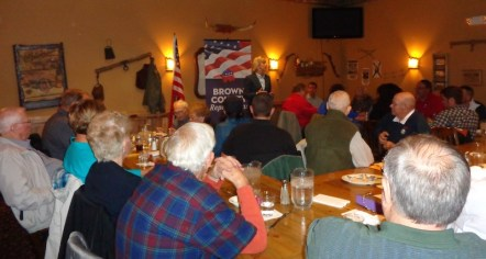 Secretary of State Shantel Krebs addresses the Brown County GOP's Reagan Lunch, Aberdeen, South Dakota, 2015.11.12.