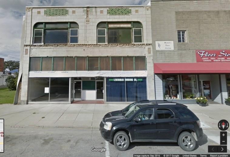 """Lederman Bonding Co.,"" 120 N 2nd Ave E, Newton, Iowa; Google Maps Street View image dated Sep 2016; screen cap 2017.10.12."