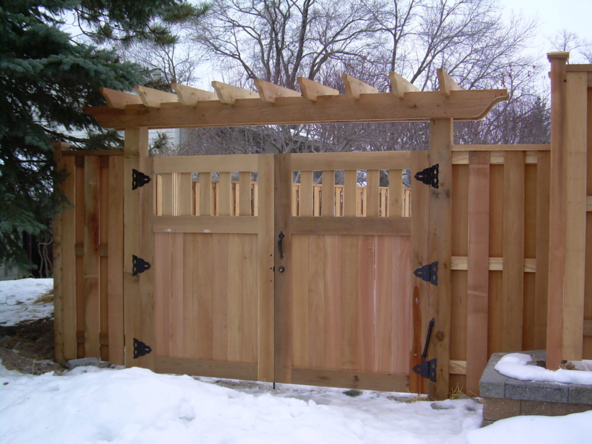Wood Privacy Fence In St Paul Lakeville Twin Cities