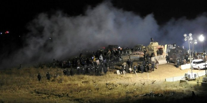 nodapl-standing-rock-freezing-water-cannons-1