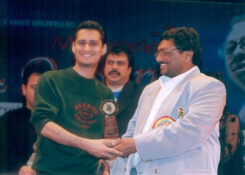Dale Bhagwagar receives a Lions Club Award for excellence in Entertainment PR. - Pic 1.