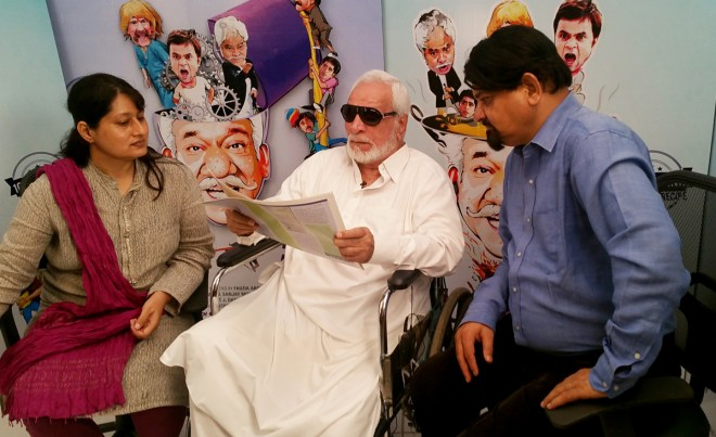 Composer-filmmaker Fauzia Arshi and media maverick Santosh Bhartiya with veteran actor Kader Khan.