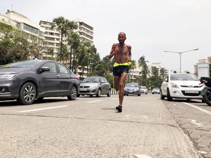 Samir Singh running in Mumbai. - Pic 1