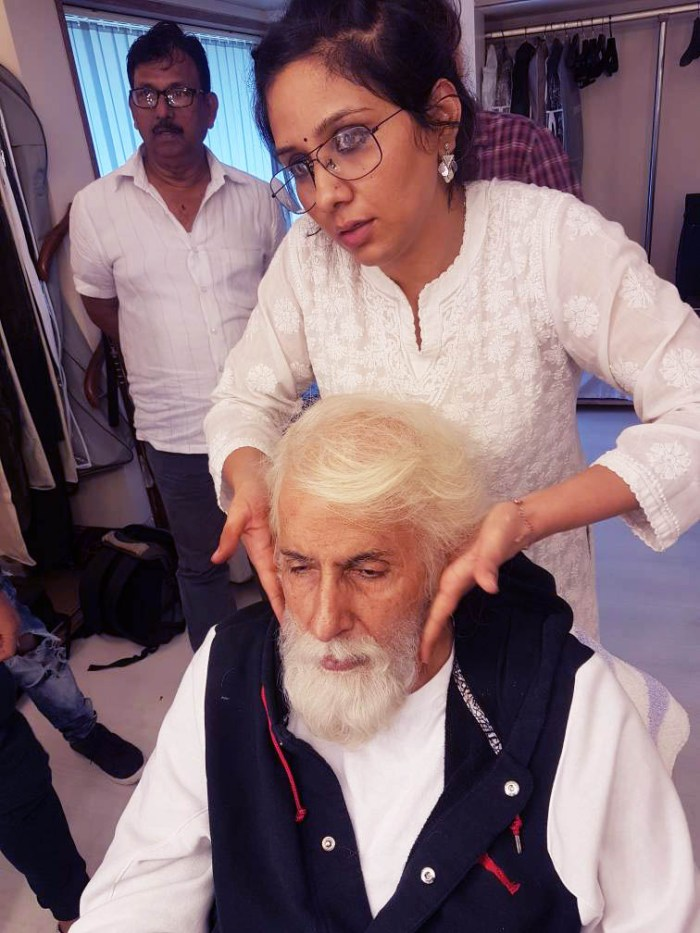 Preetisheel Singh working on Amitabh Bachchan's look on the sets of 102 Not Out.
