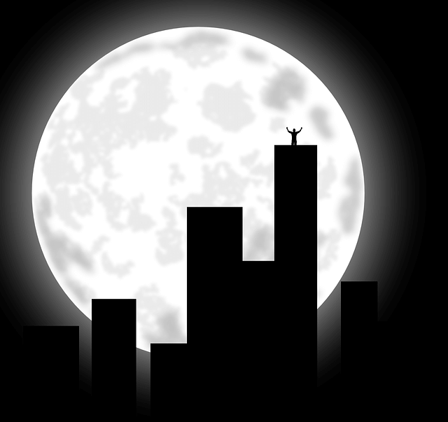 Full moon city scape—mmm erotica