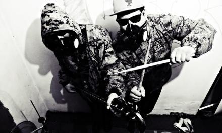 Canciones en dos idiomas y eléctricas con The Terror Two