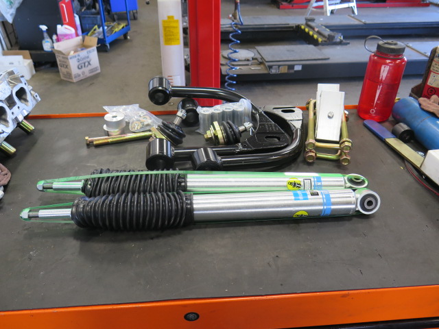 Toytec Lift for a Toyota Tundra with Adjustable Upper Control Arms