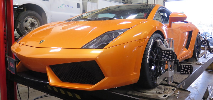 Lamborghini Gallardo in for a Wheel Alignment after Lowering and New Rim/Tires