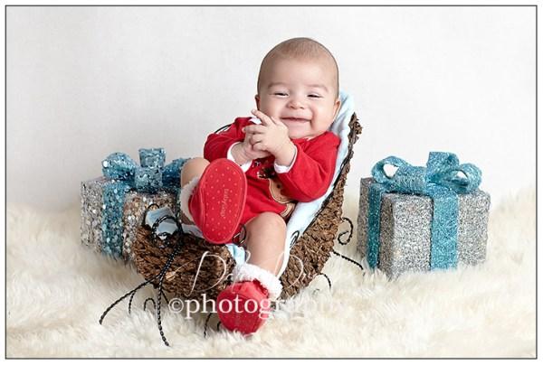 Christmas baby photo ideas Ny Baby maternity photographer