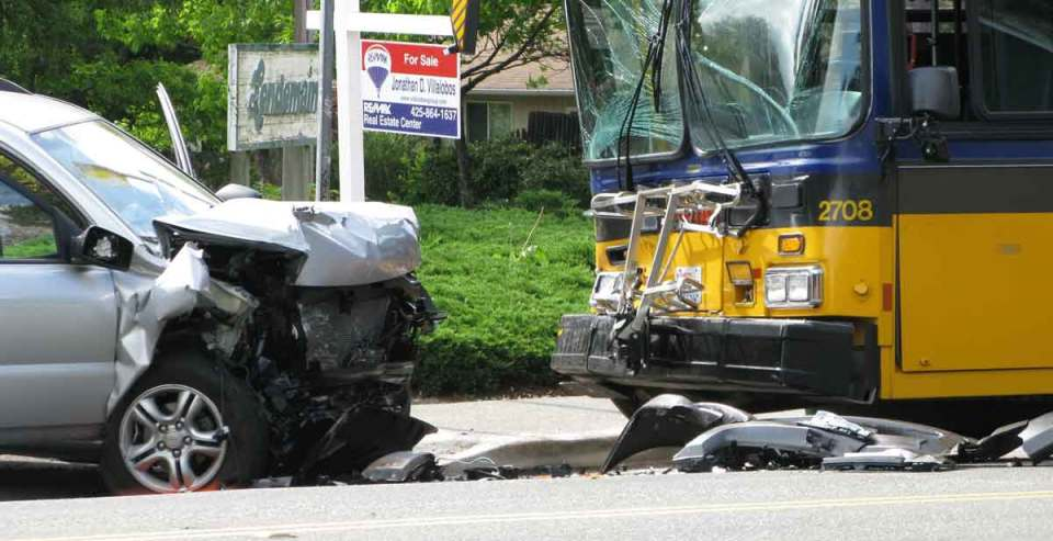 car and bus hit head-on, Dallas head-on collision attorney