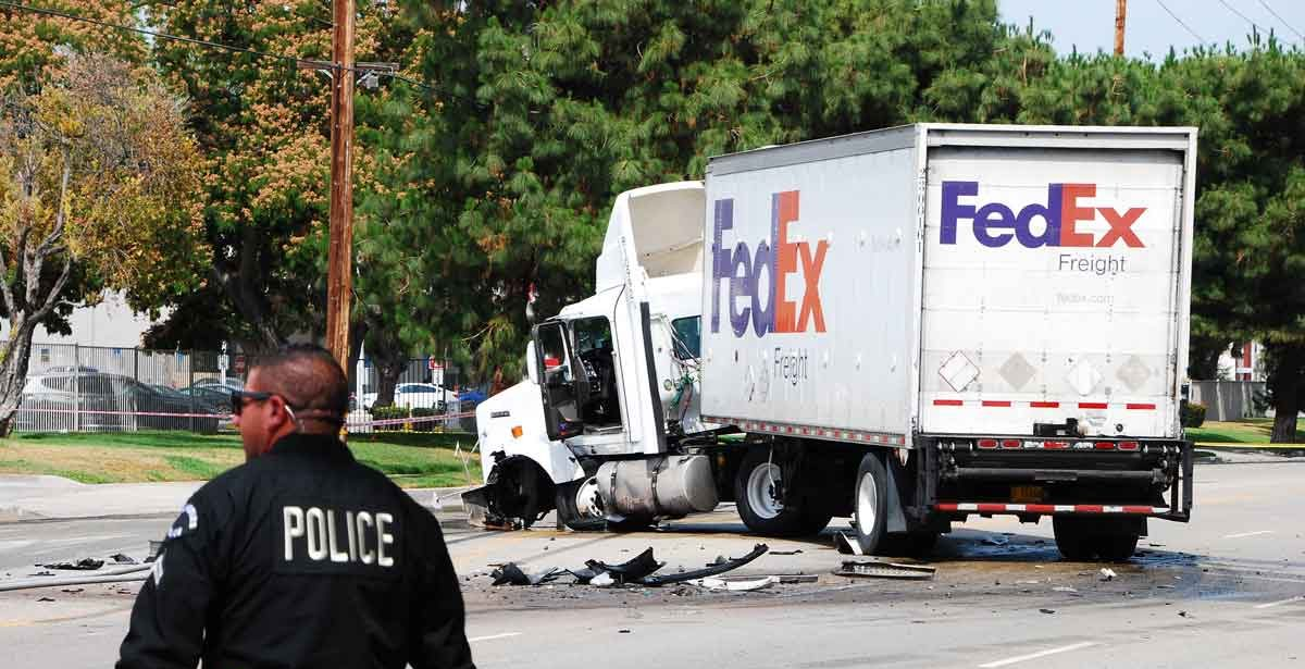 Truck accident at intersection, Dallas Truck Accident Lawyer