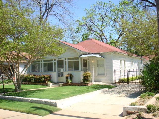 Juanita Craft House