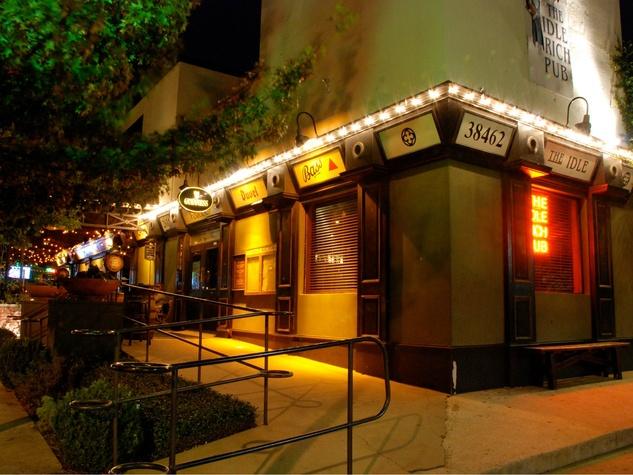 Idle-Rich-Pub-in-Dallas_163212