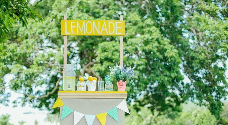 lemonade-stand-handley-display