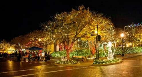 Downtown_Christmas_Lights_Nine_Flags_Festival_pr_9203373b-aed6-410d-9bac-4940137d6e48