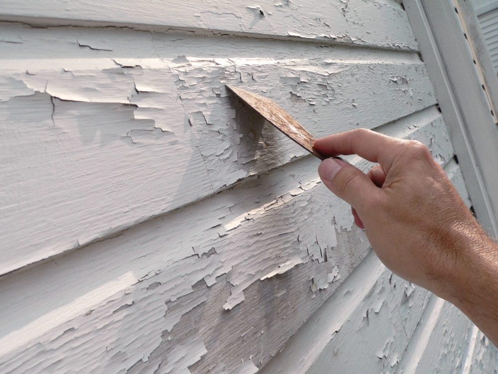 peeling_paint_scraper_siding_exterior_AdobeStock_3615593.jpeg