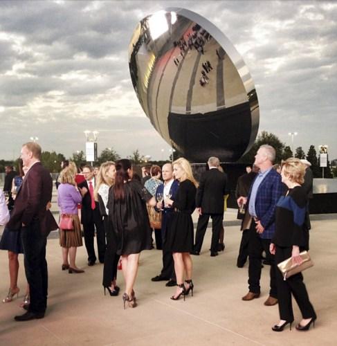 See the stunning new Sky Mirror sculpture at Cowboys ATT