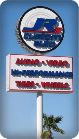 Pole Signs and Pylon Signs by Signs Manufacturing Dallas