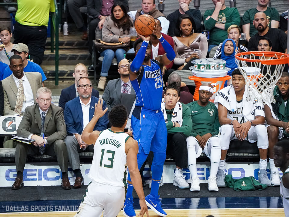 Mavericks erupt from distance, rout Bucks 111-79