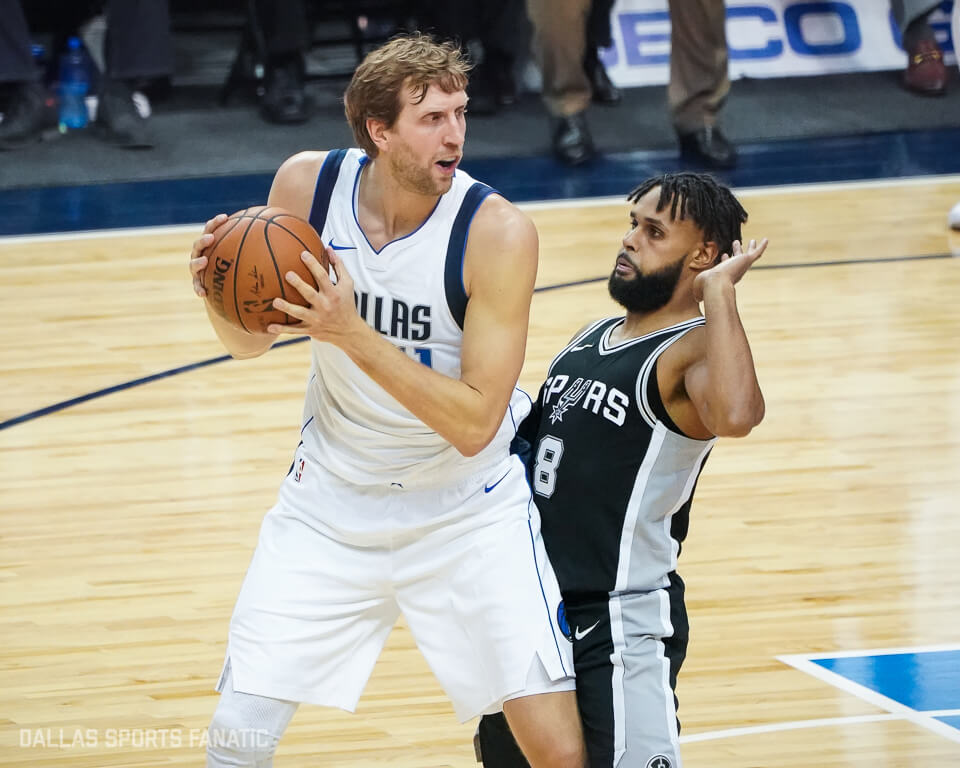 Mavs hold off Spurs, 95-89