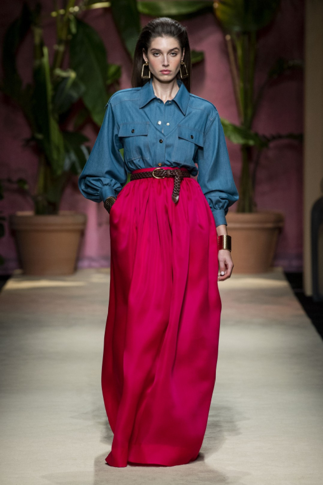 Elegant Vacation Outfits You Need – A Look into Luisa Spagnoli's Spring-Summer 2020 Collection